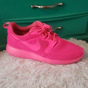 Nike Neon Pink Size 8